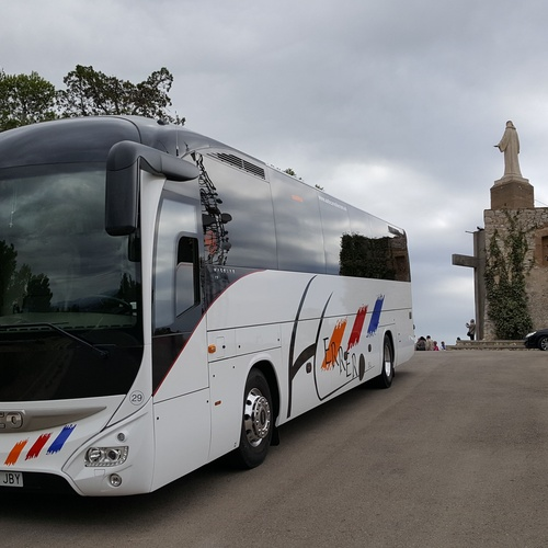 Servicio de alquiler de autocares para excursiones y eventos