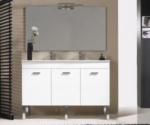 Muebles de baño, espejos y sanitarios en El 13 Rivas
