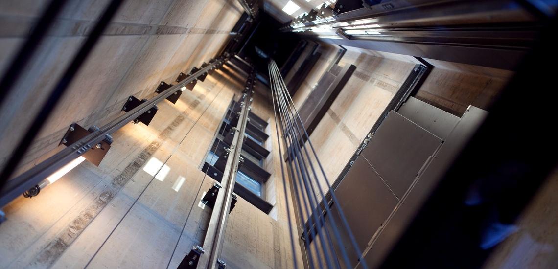 Mantenimiento de ascensores en Cantabria, una forma de revitalizar tu elevador