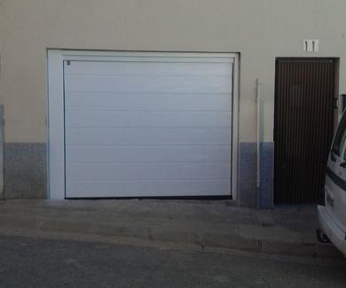 puertas seccionales en Lleida