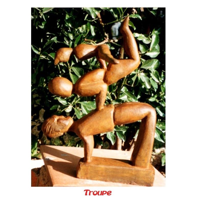 Troupe: Esculturas de Antonia Dávalos