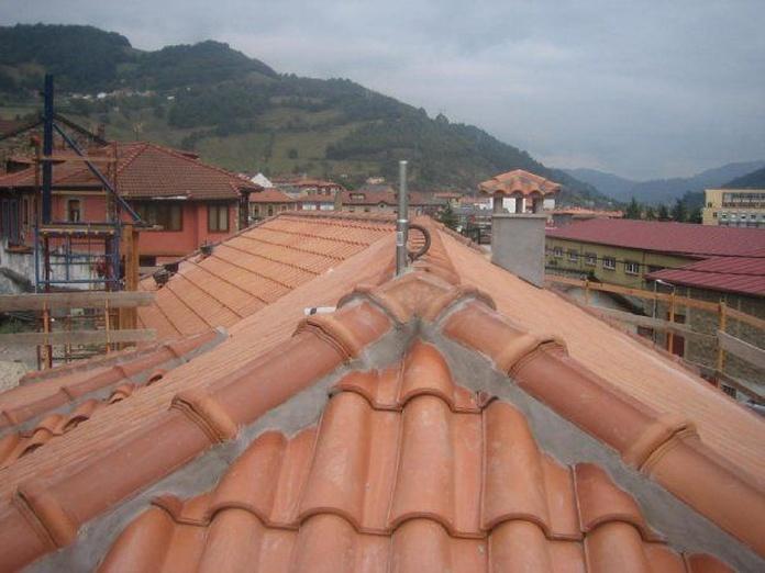 Tejados y cubiertas: Servicios de Almeida Instalaciones y Obras