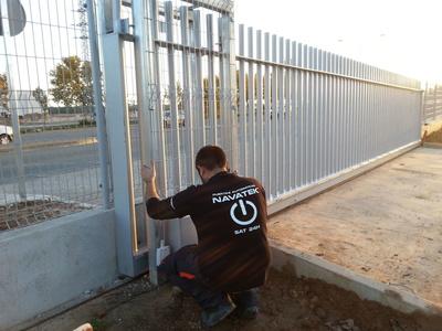 Puertas metálicas automáticas: Navatek Puertas Automáticas SL