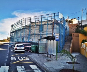 Rehabilitación de fachada en San Vicente con andamio multidireccional