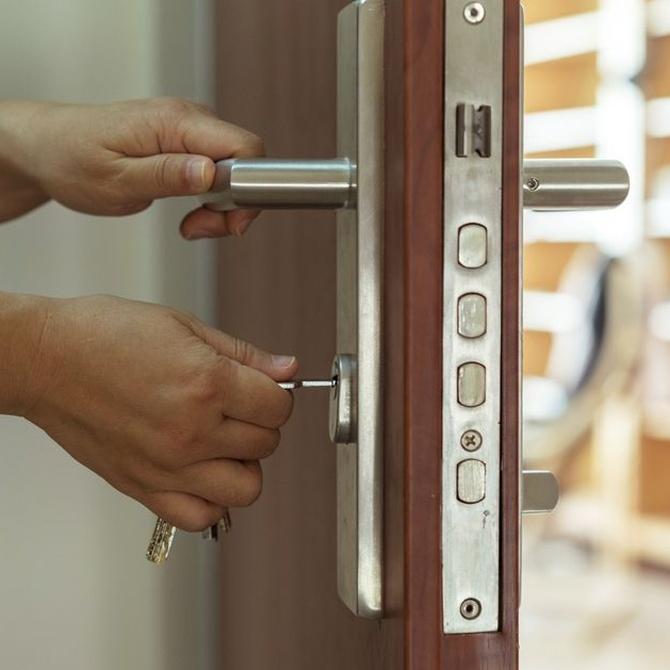 ¿Cada cuánto debo cambiar la cerradura de mi casa?
