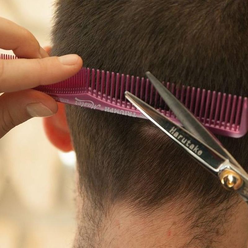 Corte de pelo: Servicios de Álamos Peluqueros