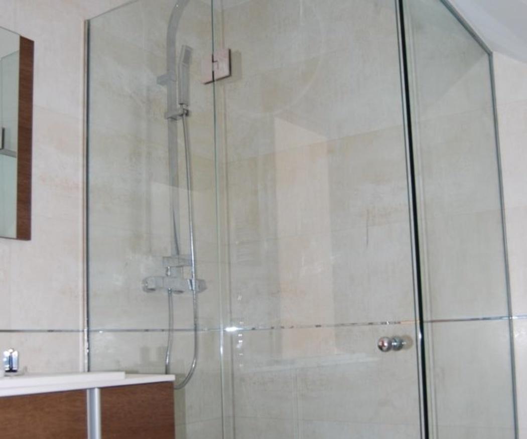 Cómo limpiar la mampara de la ducha