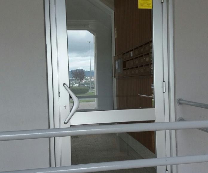 Puertas eléctricas para minusválidos: Servicios de Jorge Barrera Cesarini