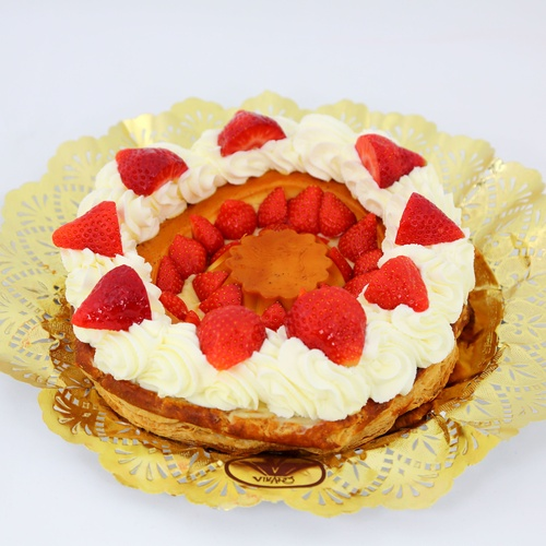 Pastis especial de nata amb maduixes