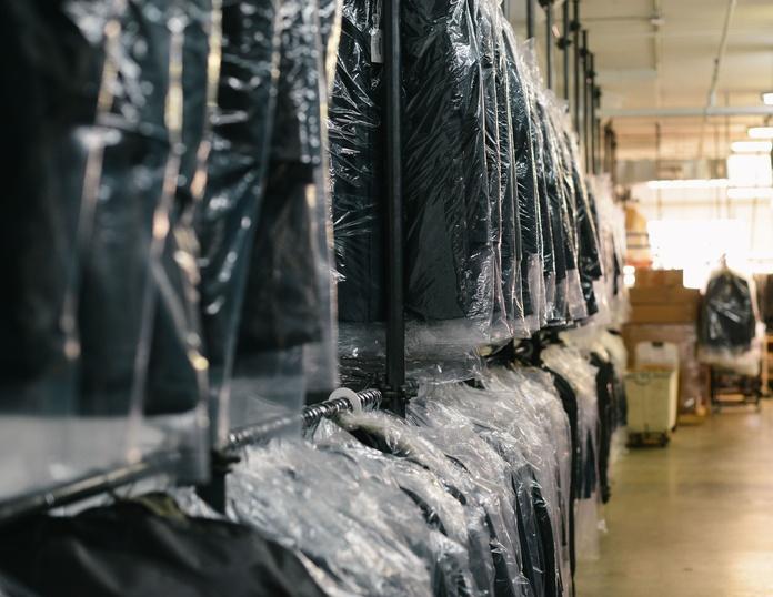 Servicio de tintorería y tinte: Servicios de Sews - taller de costura, arreglos de ropa