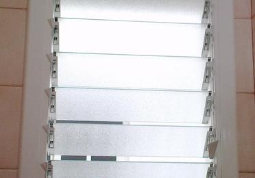 Ventana celosía de aluminio