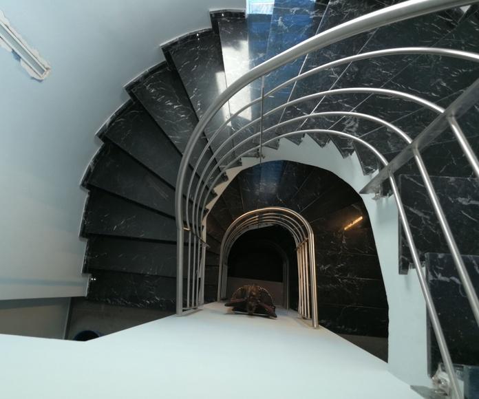 Barandilla de acero inoxidable con curvatura helicoidal