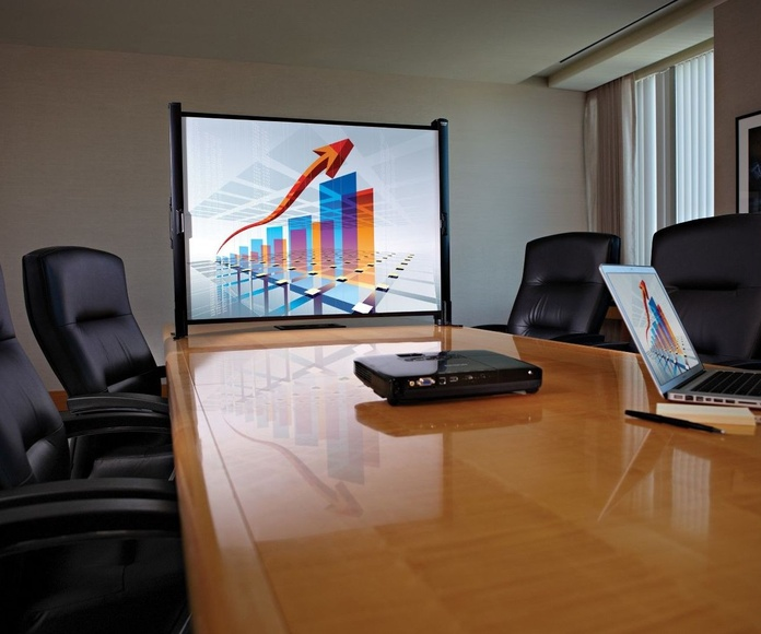 Proyectores y pantallas: Servicios de Satrustegi Sonido
