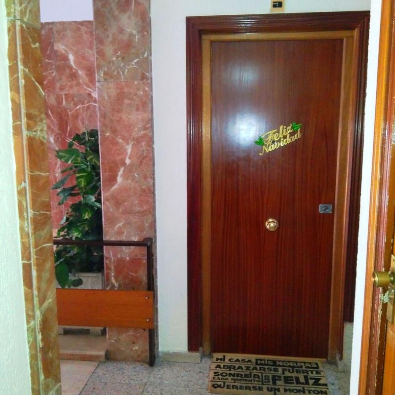 Piso en Alfredo Castro Camba: 71m², 3 habitaciones, 1 baño, terraza de 40m²:  de Vicente Palau Jiménez - Agente Inmobiliario