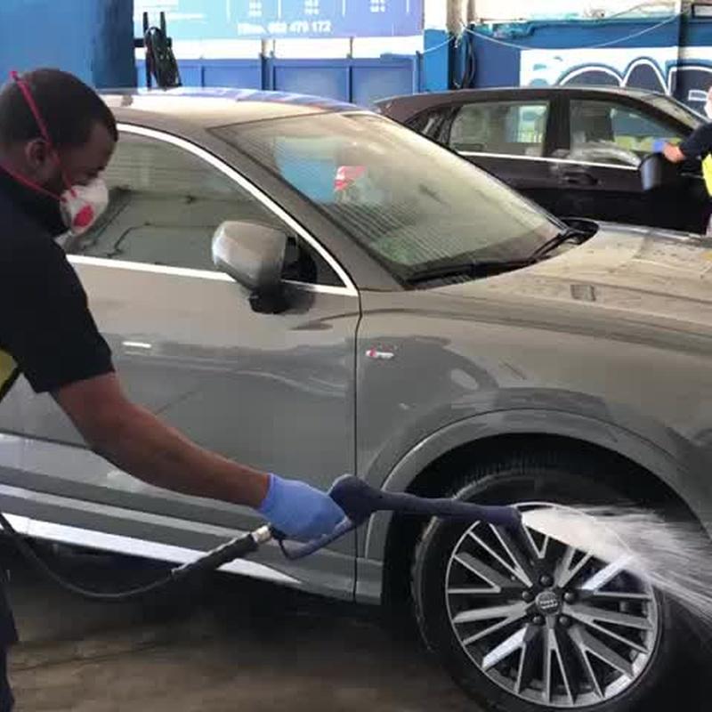 Limpieza con espuma activa. Car Wash Alcorcón