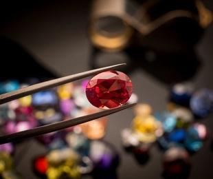 Cómo encontrar la piedra preciosa ideal