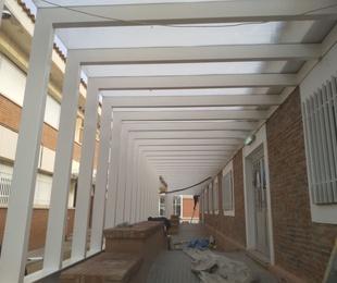 Estructura Metálica Porcho, en Escuela Pere Verges Vilallonga del Camp