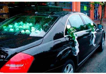 Decoración para coches de boda