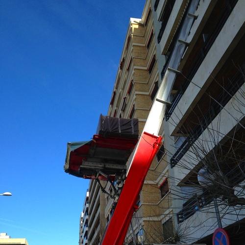 Mudanza con montamuebles en Pamplona