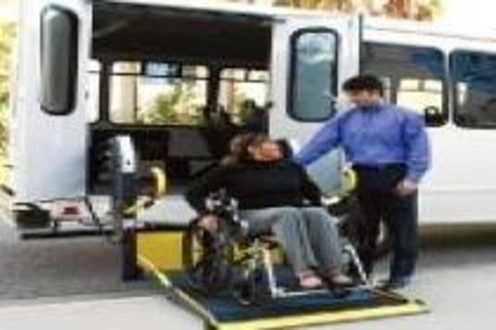 Acceso con silla: Servicios y productos de Cabal Automoción Bosch Car Service