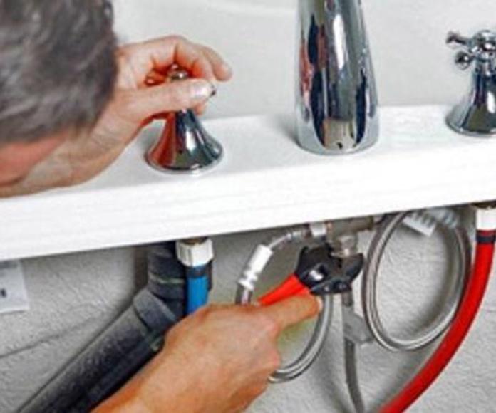 Agua: Servicios de Instalaciones Age