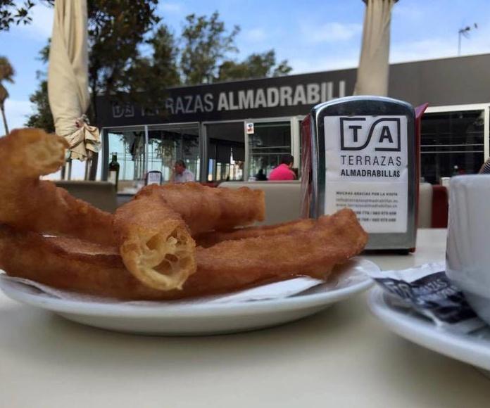 Sitios para comer Almería | Terrazas Almadrabillas