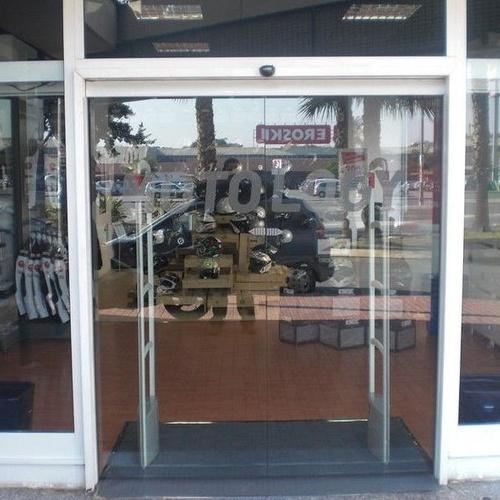 Automatismos Murcia - Instalación de puertas automáticas