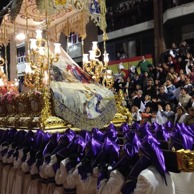 Consejos de fisoterapia para hombres de tronos procesionales de Semana Santa