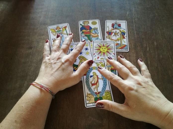 Consulta telefónica de tarot y videncia: Servicios de Nina Zadir