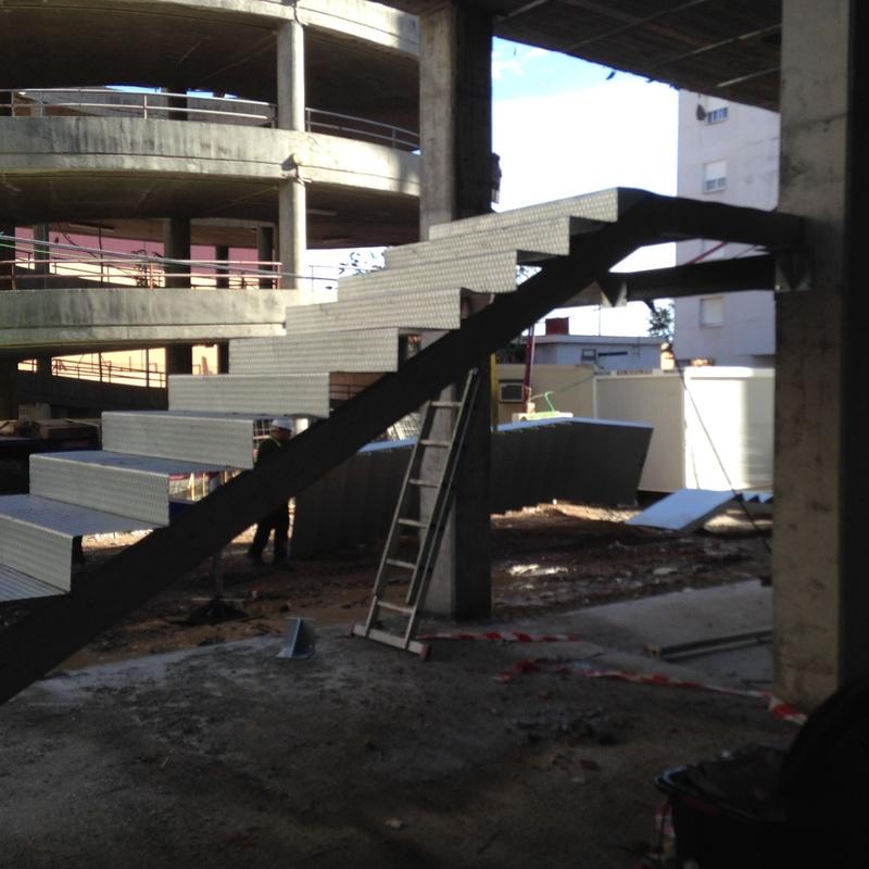 Barandillas y escaleras metálicas: Nuestros servicios de Cerrajería Inox Las Salinas