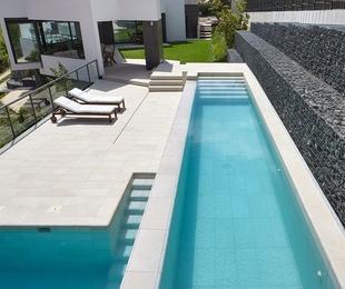 Pavimento y coronación de piscinas