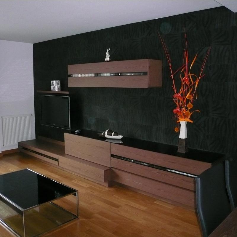 Salon con armarios marrones: Carpintería en Pamplona de Carpintería Óscar L.H.