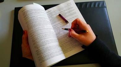 Desahucio : Acabado el plazo temporal del contrato, el inquilino sigue en la vivienda...