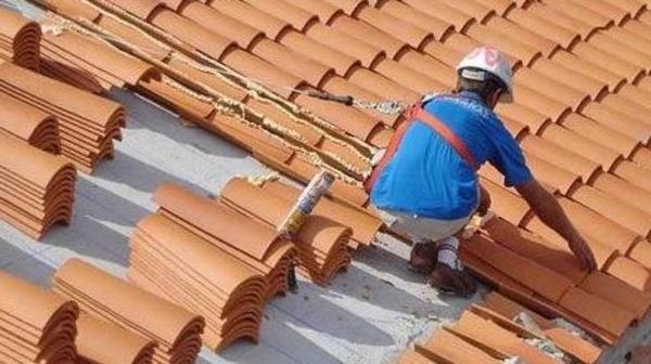 Reformas de tejados: Productos y servicios de Construcciones y Reformas La Villa