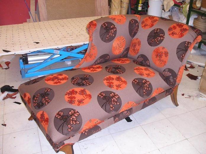 Diván tapizado de estilo japonés: Productos y servicios de Marina y Javier - Tapicería y Cortinas Vigo