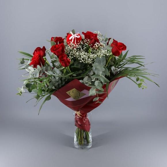 Ramo de 12 rosas rojas:  de Floristería Contreras