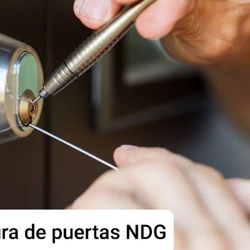 Apertura puertas: Servicios de NDG CERRAJEROS