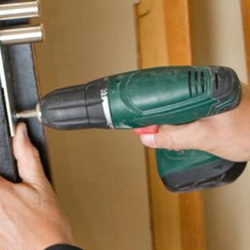 Emergency locksmith: Services de .