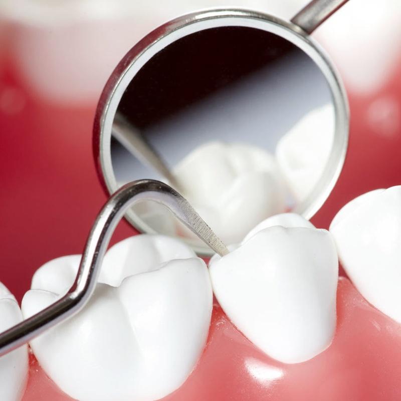 Periodoncia: Catálogo de Centro de Salud Dental FamilDent