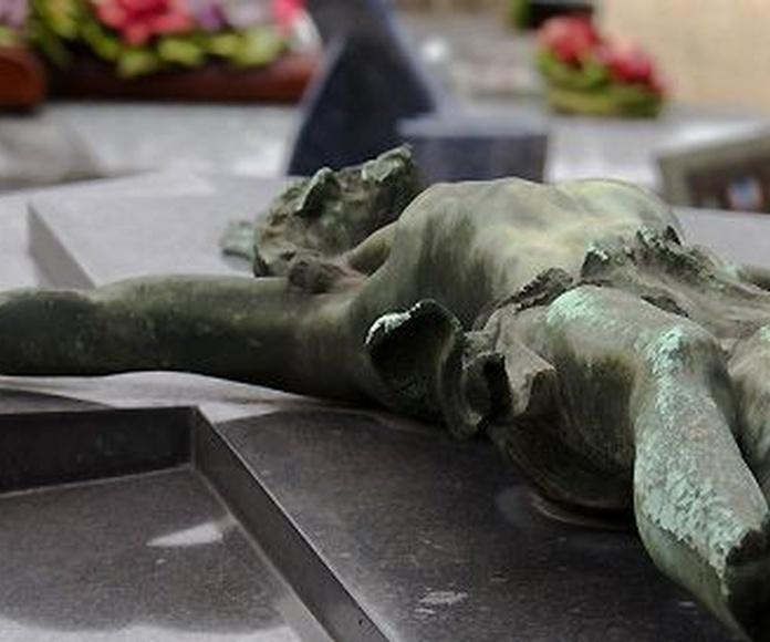 Arte funerario: Servicios de Mantenimientos Curros