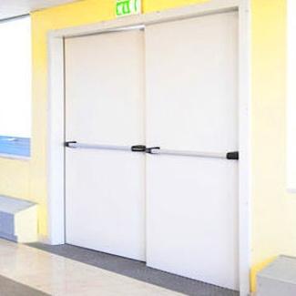 Puerta cortafuegos batiente acústica en Valencia/Farem Puertas Automáticas