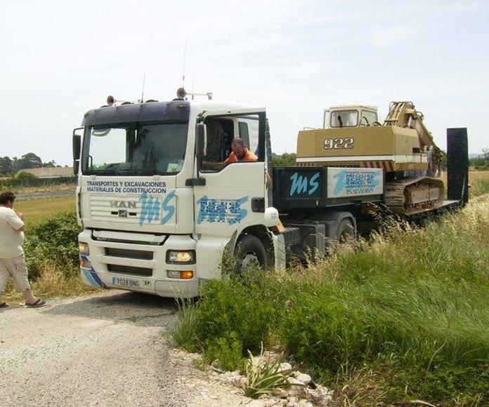 Tractores: Servicios de Transportes Miguel Socias e Hijos