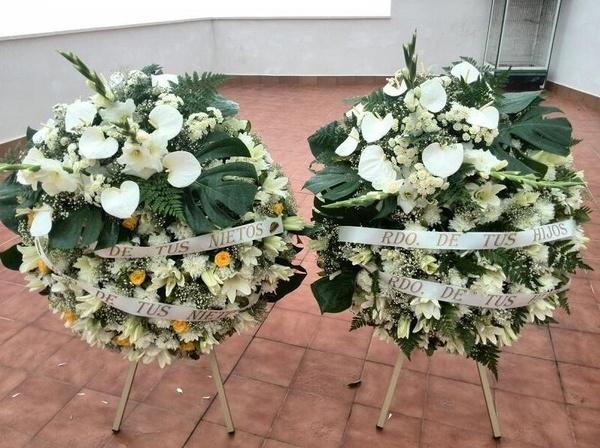 Coronas Ref: 10: Productos y servicios de Funeraria El Platero