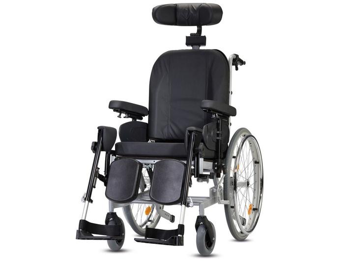 Silla de ruedas multifuncional Protego: Productos y servicios de Ortopedia Delgado, S. L.
