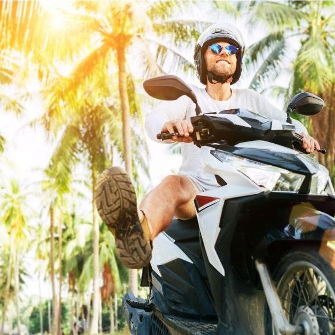 Elegir entre una scooter y una motocicleta