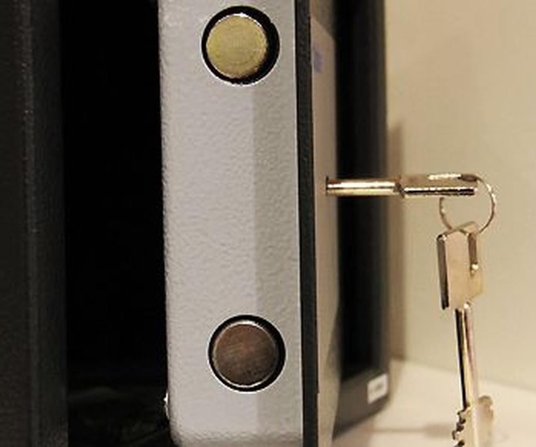 ¿Son más seguras las puertas acorazadas?