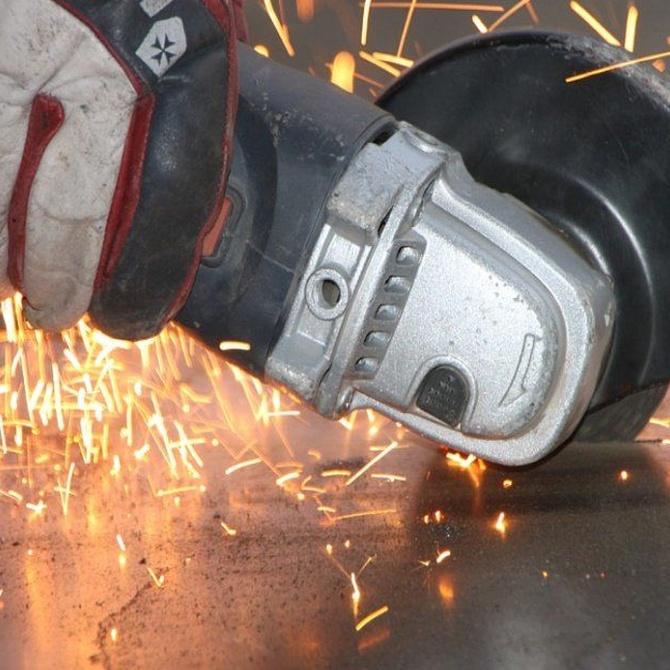 Herramientas para trabajar el metal: la amoladora