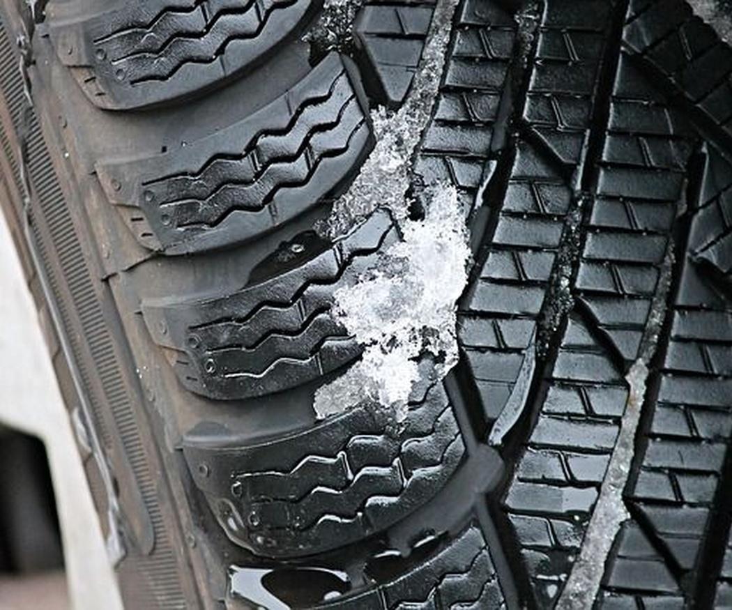 ¿Qué diferencias hay entre los neumáticos de invierno y  verano?