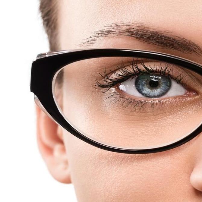 La moda de las gafas de pasta ha venido para quedarse