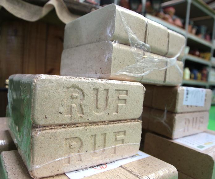Paquetes de briquetas: NUESTROS PRODUCTOS de Mofusa